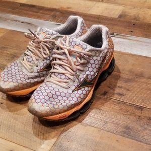 Womens Mizuno running sneakers